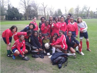Girls_Football_2010-11_small
